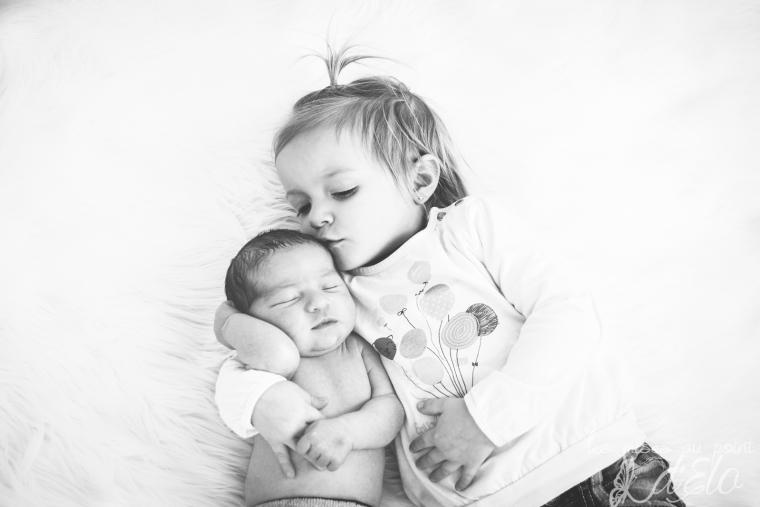 Photographe Monistrol sur Loire séance nouveau né bébé Haute Loire